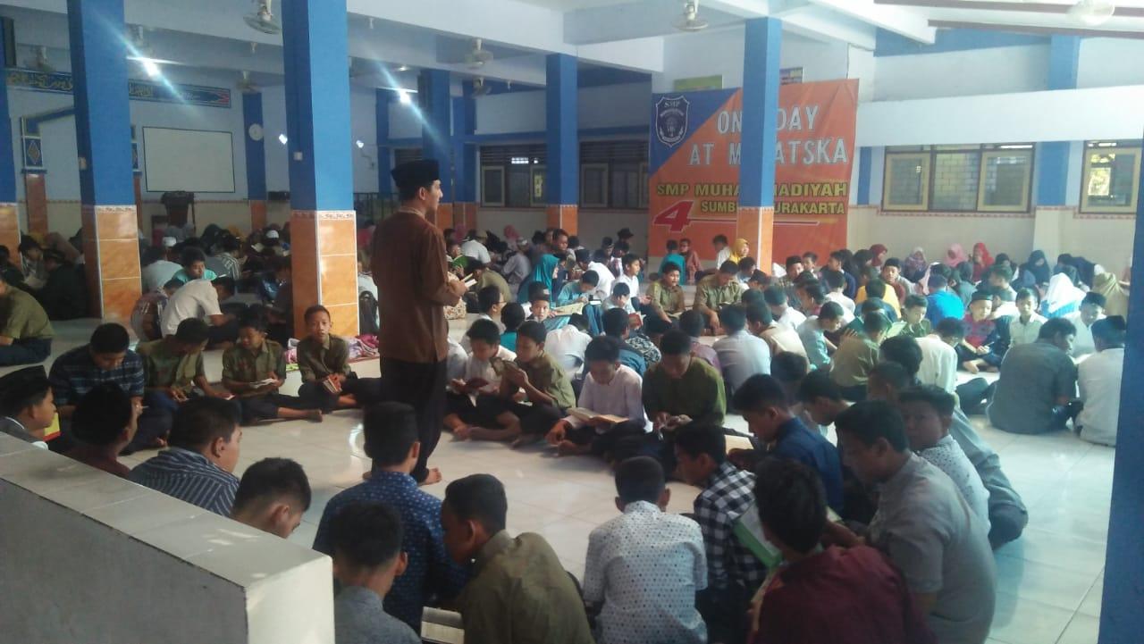 Pagi Bergemuruh Di Smp Muhammadiyah 4 Surakarta