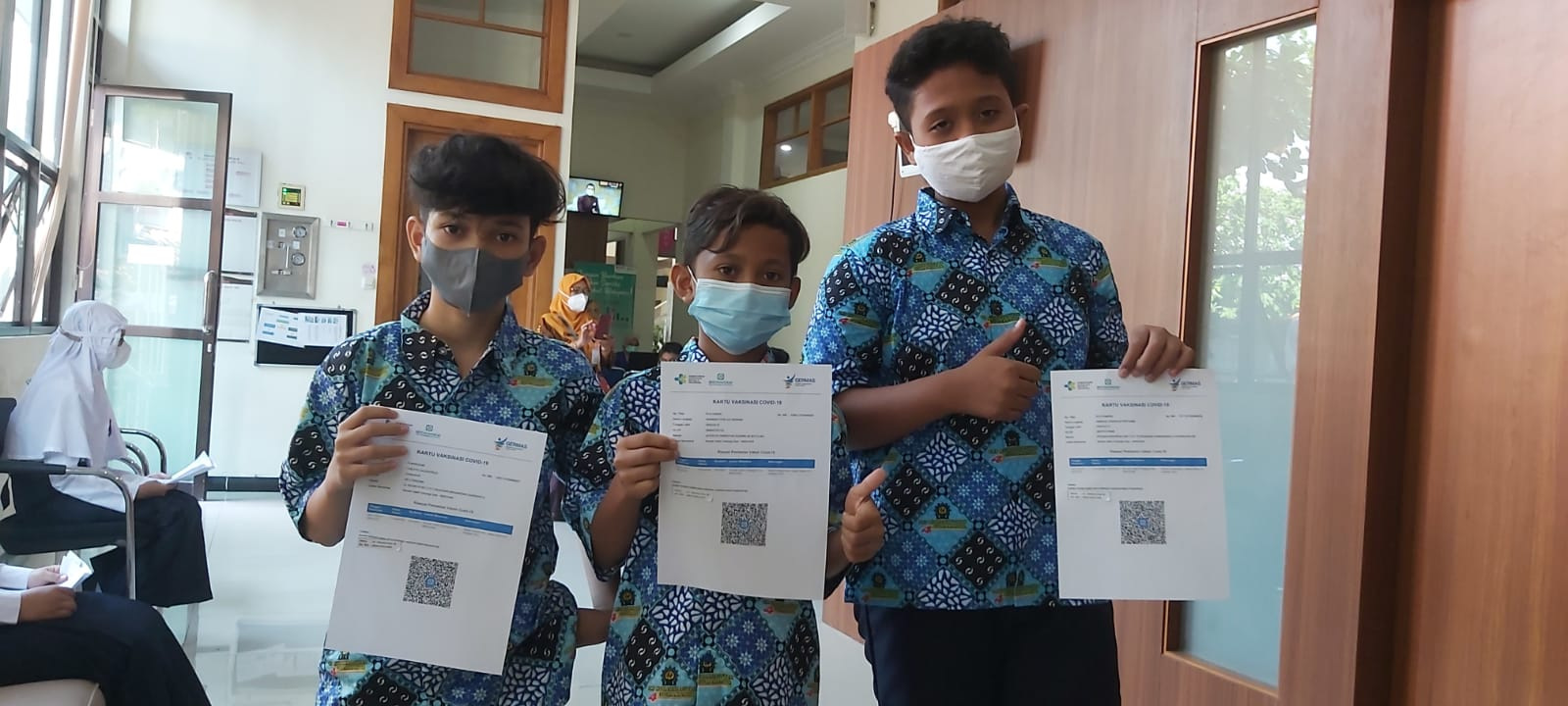 Siswa SMP Muhammadiyah 4 Surakarta Mengikuti Vaksin Covid 19